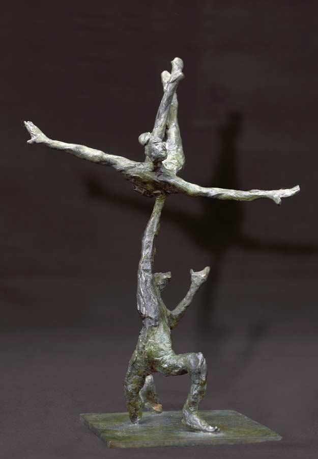ACROBATES MAIN À L'ESTOMAC - 2002 - bronze - 17x15x16,5cm