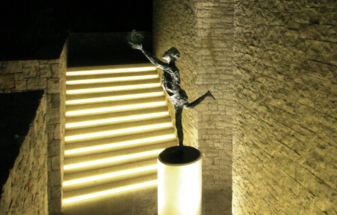 DÉSIR D'ENVOL -  2010 – bronze – 160x90x75cm - collection particulière – Phuket (Grèce)