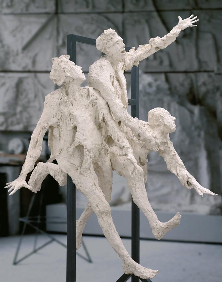 LE PASSAGE - 1994 - plâtre - 240x145x195cm
