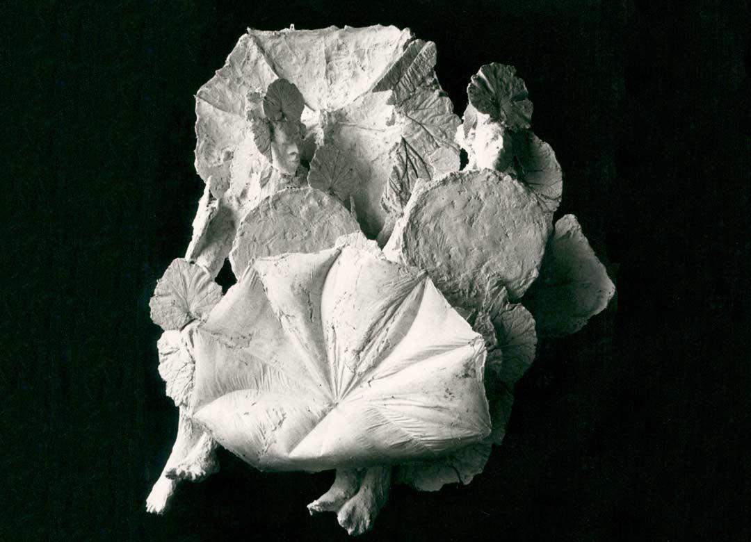 LES PARAPLUIES – 1079 – plâtre – 190x100x150cm