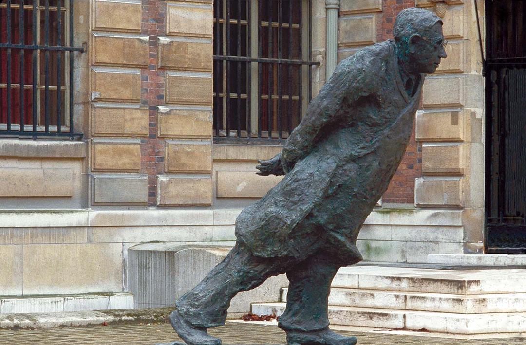HOMMAGE  À JEAN-PAUL SARTRE - 1987 - bronze - hauteur : 200cm
