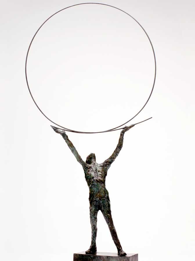 PERSONNAGE AU CERCLE  - 2013 - bronze - 72x36x10cm