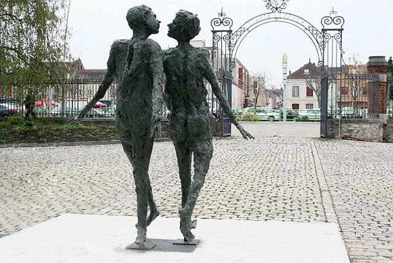 LA GRANDE RENCONTRE – 2008 – bronze – 200x170x118cm – Ville de Montceau-les-Mines
